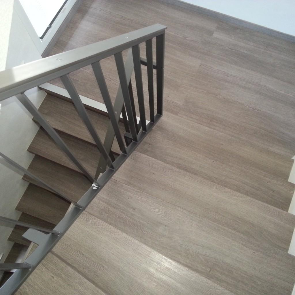 treppenrenovierung treppensanierung h bscher treppenrenovierung vinyl. Black Bedroom Furniture Sets. Home Design Ideas