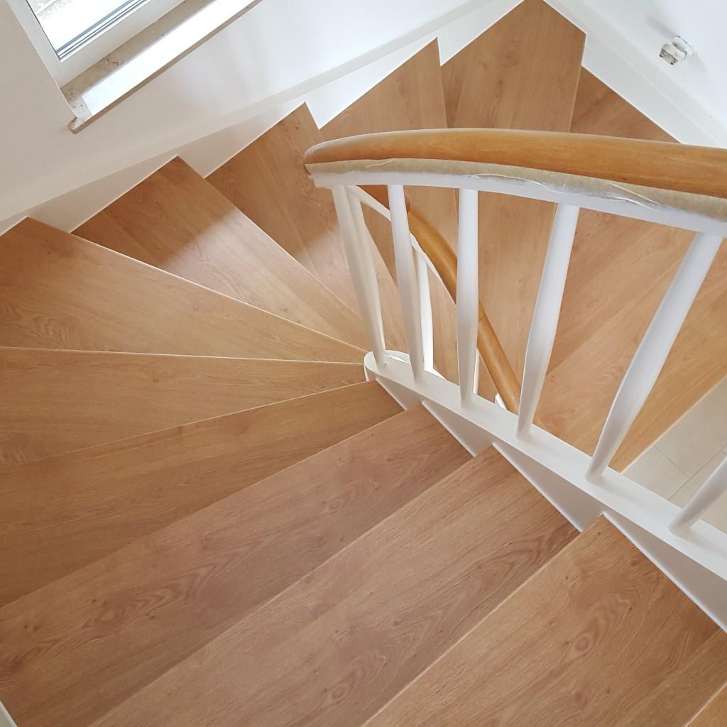 treppenrenovierung treppensanierung h bscher treppenrenovierung laminat. Black Bedroom Furniture Sets. Home Design Ideas